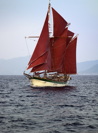 H/V Vega sailing off Komodo Island