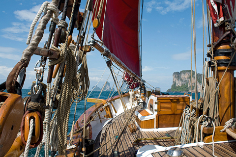 Vega sails in Thailand