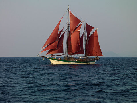 Historic Vessel Vega sails the Java Sea